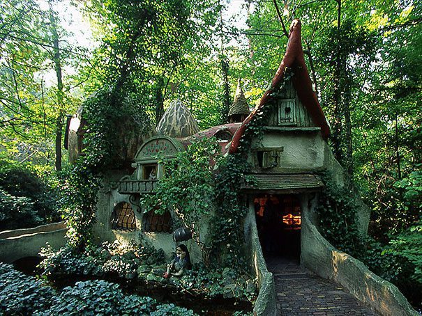 17 Magical Cottages Taken Straight From A Fairy Tale
